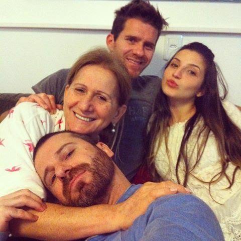 Lidia de Oliveira com os filhos, Padre Marcelo em Criciúma e mais