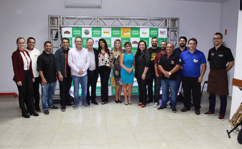 Membros do Núcleo de Gastronomia se reuniram para lançar o Gastrobier
