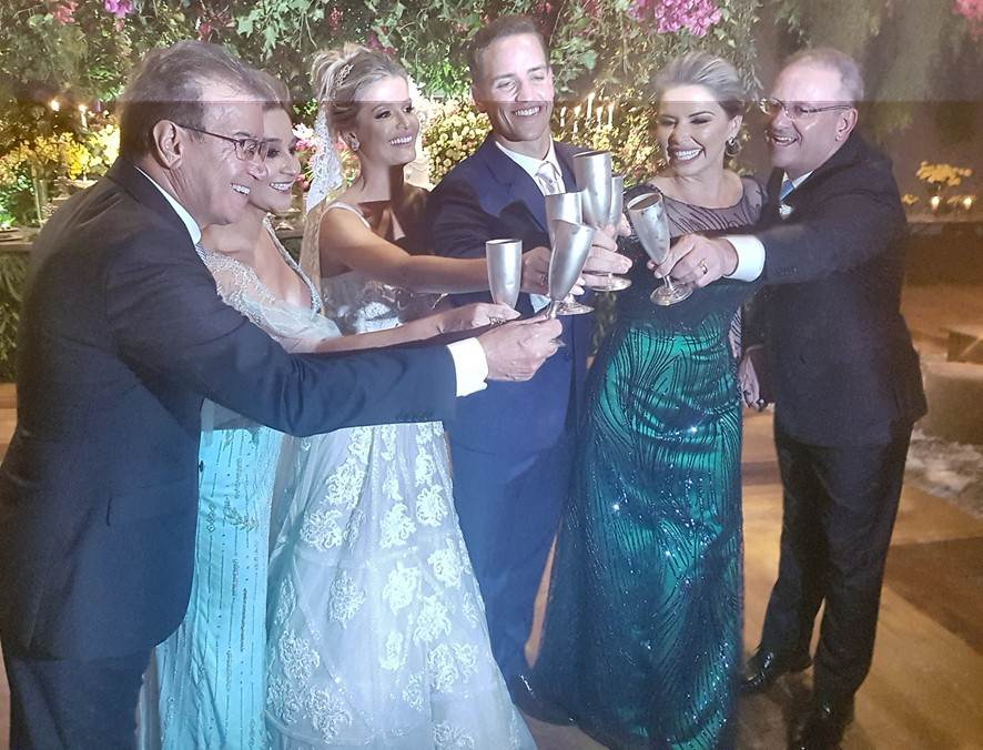 Noite inesquecível para o casamento de Aline Lilian e Antônio Cordeiro em Criciúma