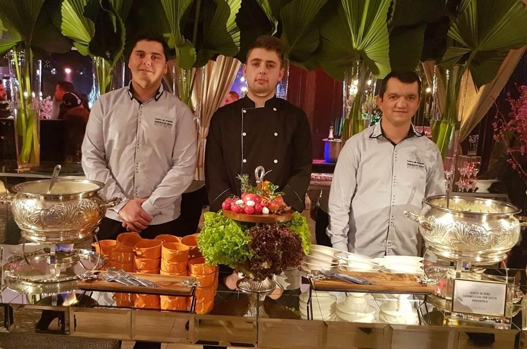 Trio recebe elogios pelo menu de risoto e nhoque na Feira Bride and Flowers