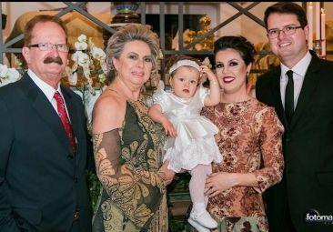 Família reunida, lançamento do livro Mercado de Luxo, escola de dança e mais