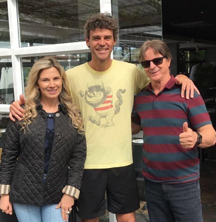 Casal Eliane e Osni Giassi encontra o tênista Gustavo Küerten em Laguna