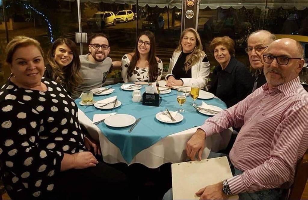 João Paulo comemora formatura em Direito em Porto Alegre