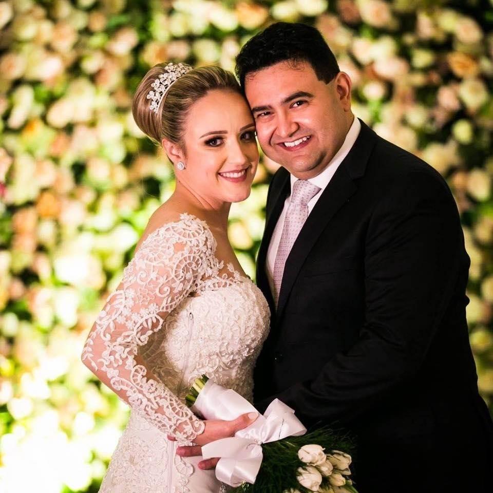 Casamento de Eliza Alberton e Allan Prado na igreja Matriz de Urussanga