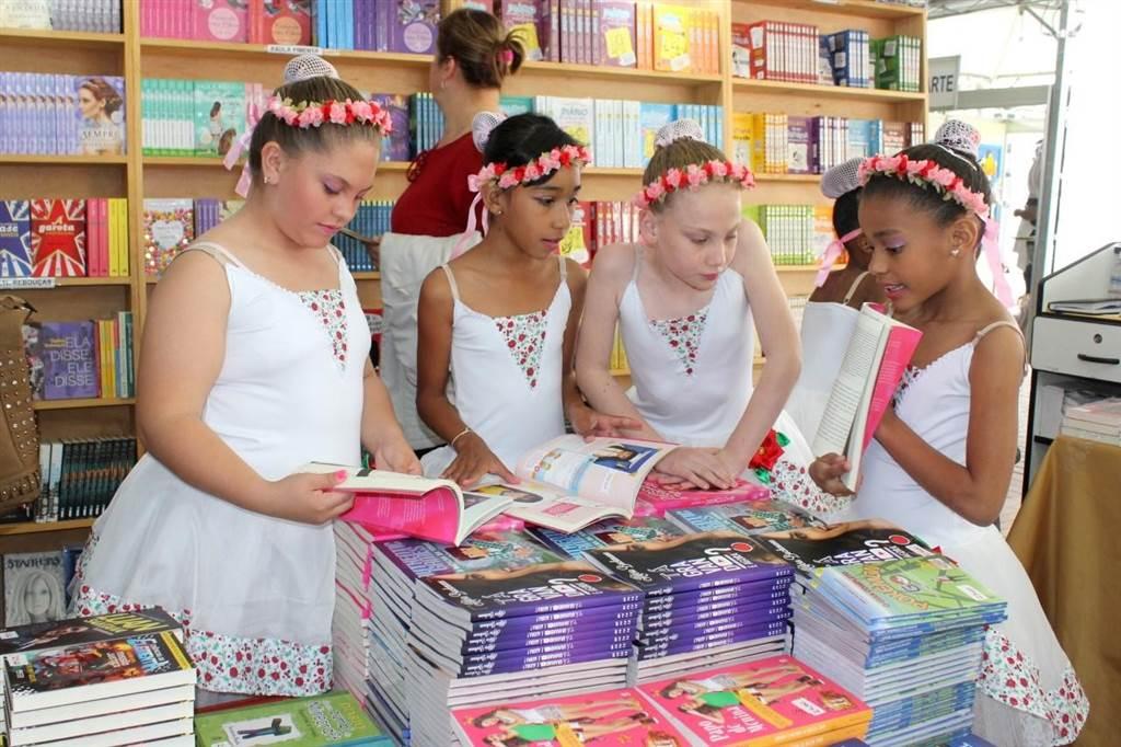 13ª edição da Feira do Livro em Criciúma na Praça Nereu Ramos