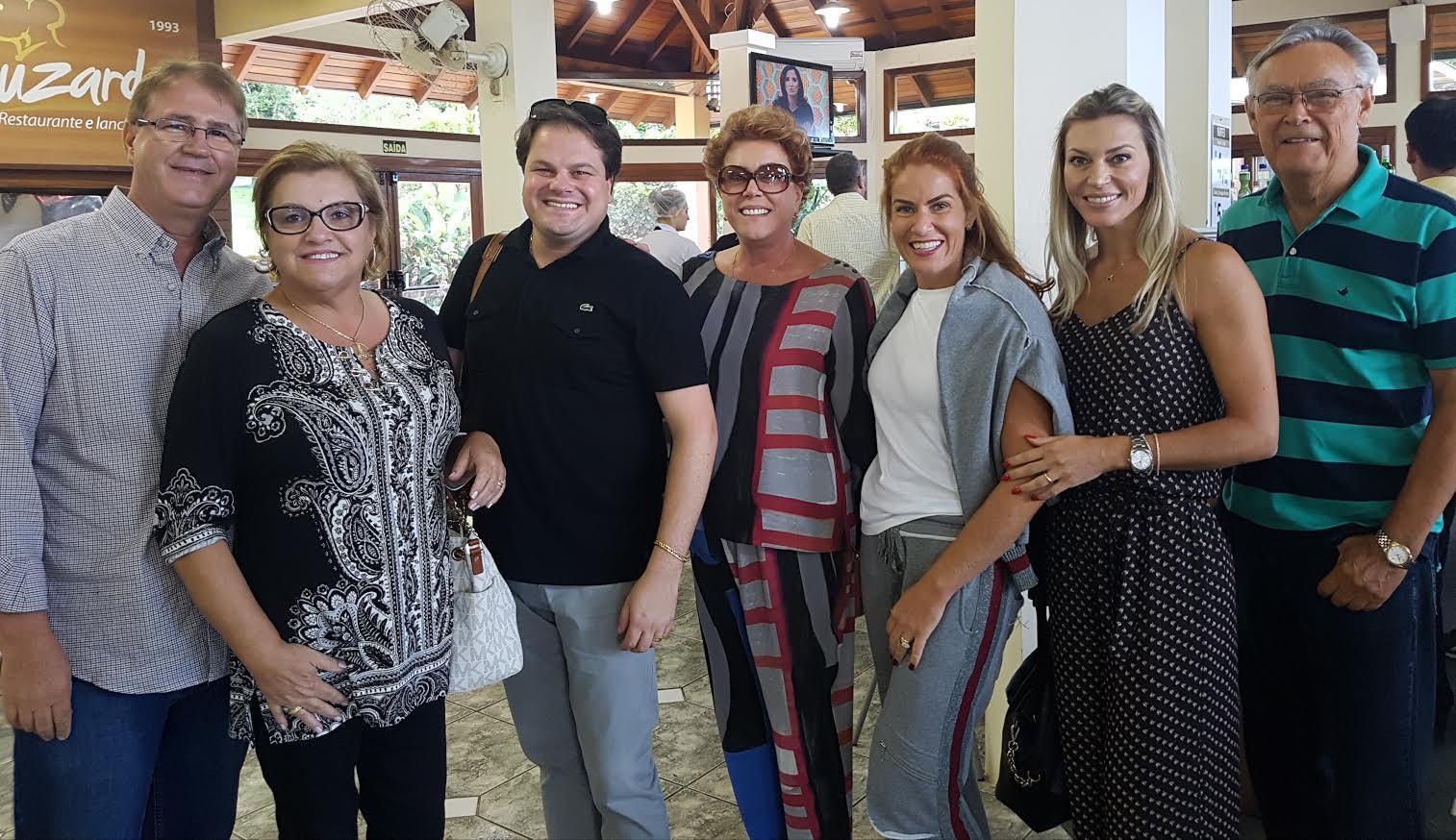 Luzardo Restaurante em Osório reúne 40 pessoas sob comando de Douglas Burigo.