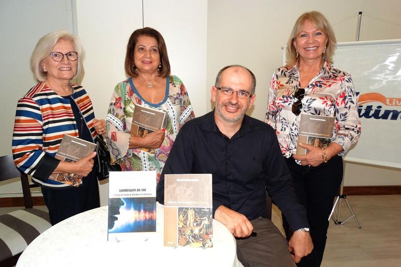 Livraria Fátima, recebe interessados em saber mais sobre o lançamento do novo livro