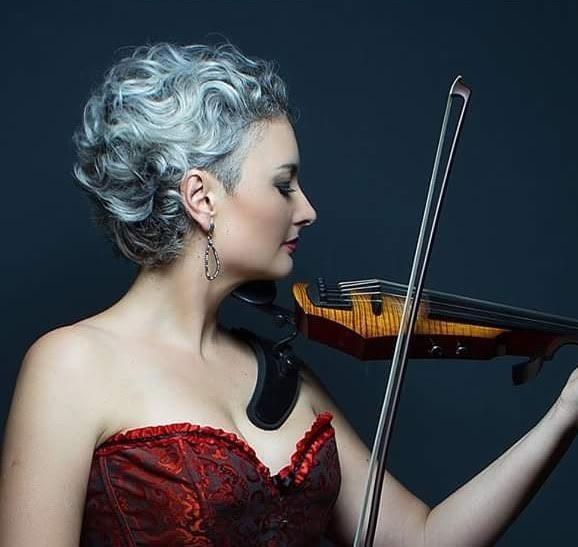 Iva Nunes Gicacca chega em Criciúma para um Concerto Didático de Violino