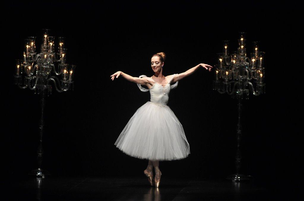 Ana Botafogo é convidada para o 19º UNESC em Dança no Teatro Elias Angeloni