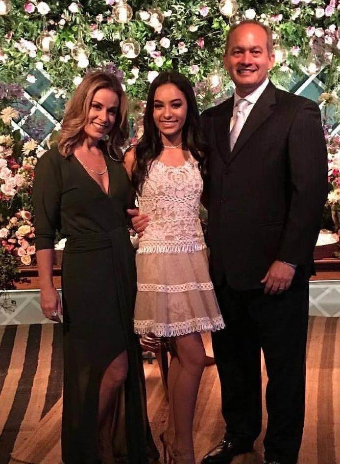 Filha de Cleici Poul e do Dr. Juan Poul completou 15 anos no sábado