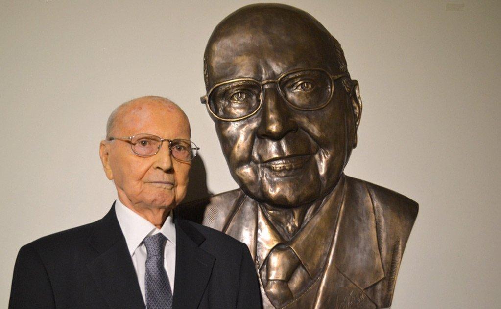 Obra de arte foi inaugurada em meio a homenagem ao cinquentenário da Instituição