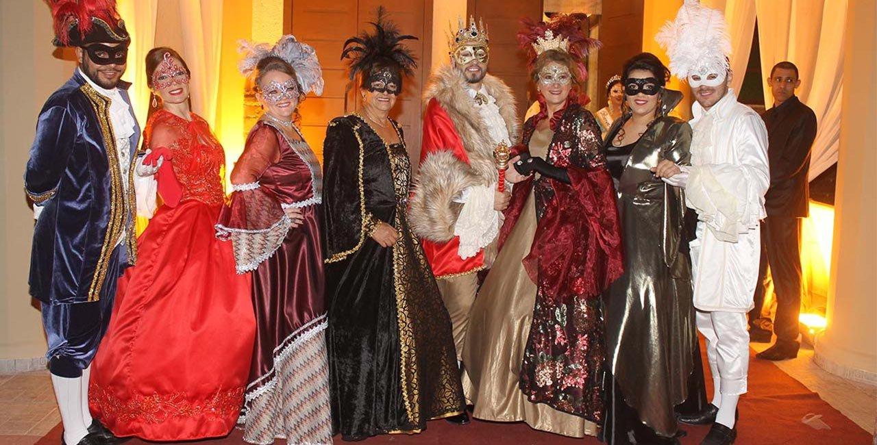 O tradicional baile de Nova Veneza nesse ano foi  inspirado nos casais enamorados
