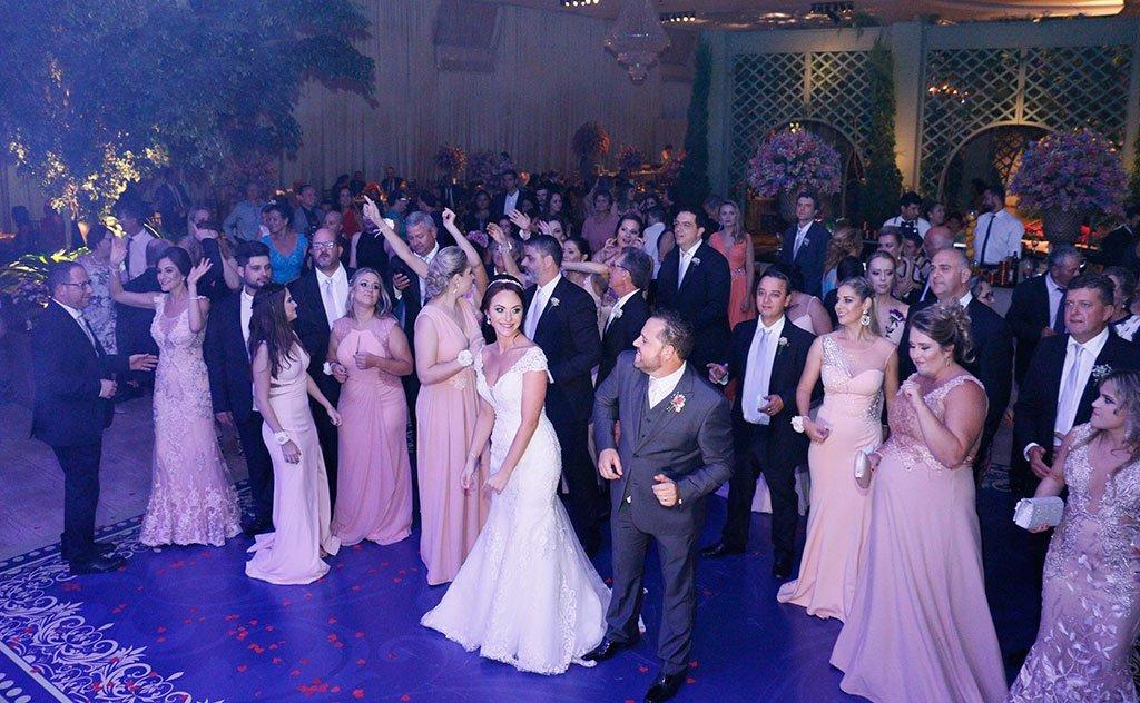 Cerimônia no centro de eventos Flor de Lis encanta convidados