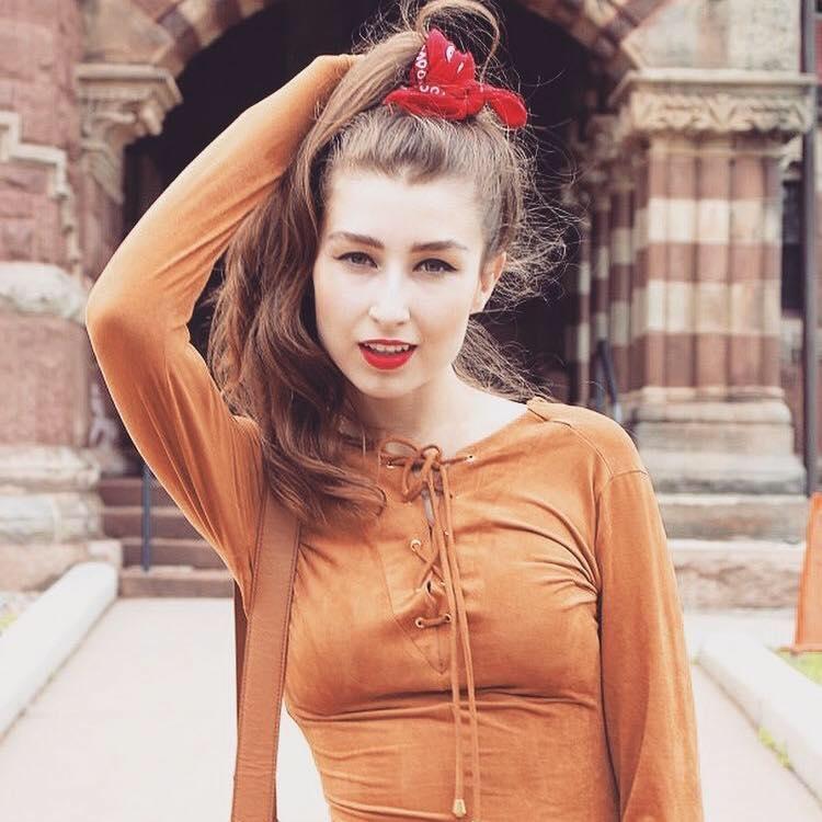 Bruna Meister agora faz parte do nosso time de Colunistas e Bloggers. Modelo e blogueira, é natural de Araranguá-SC, mas atualmente reside em Boston, nos EUA. B