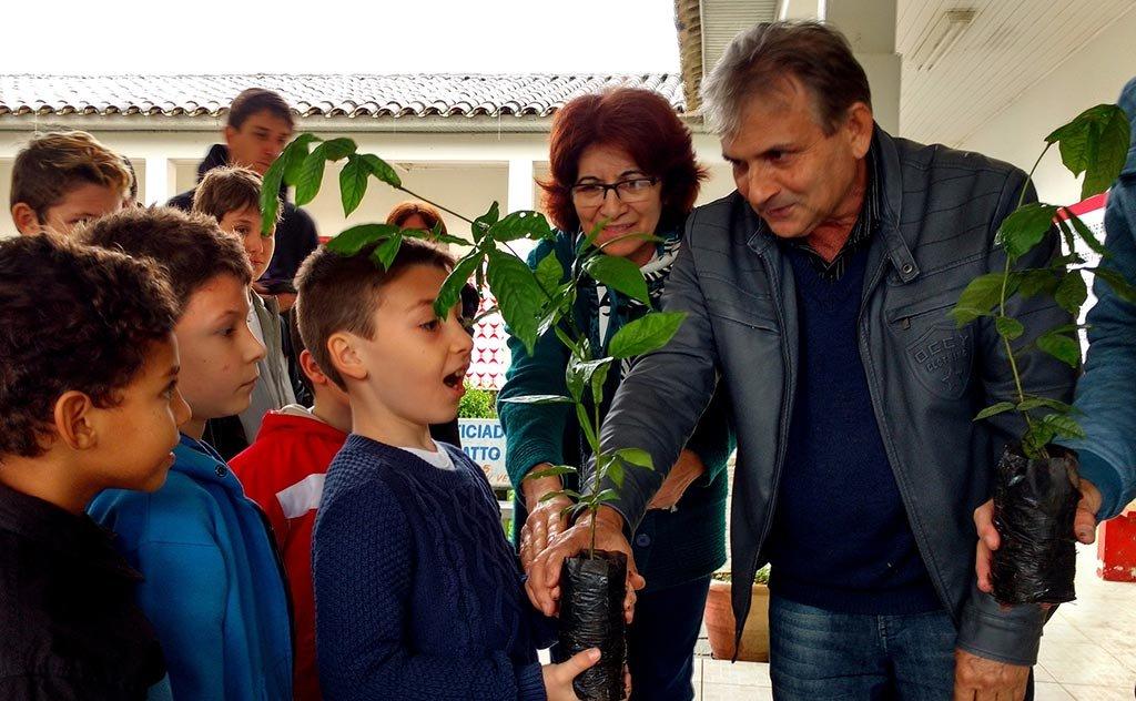 Ações alusivas à Semana do Meio Ambiente, aconteceram em duas escolas