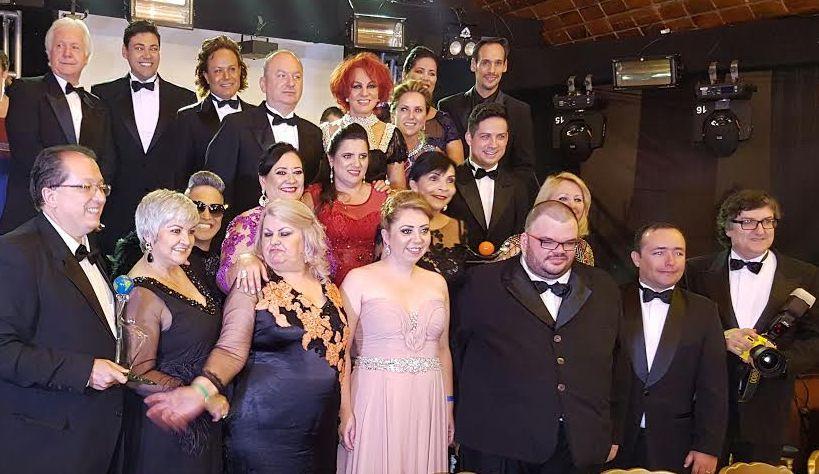 Noite de glamour para os Colunistas Sociais, em Gravatal