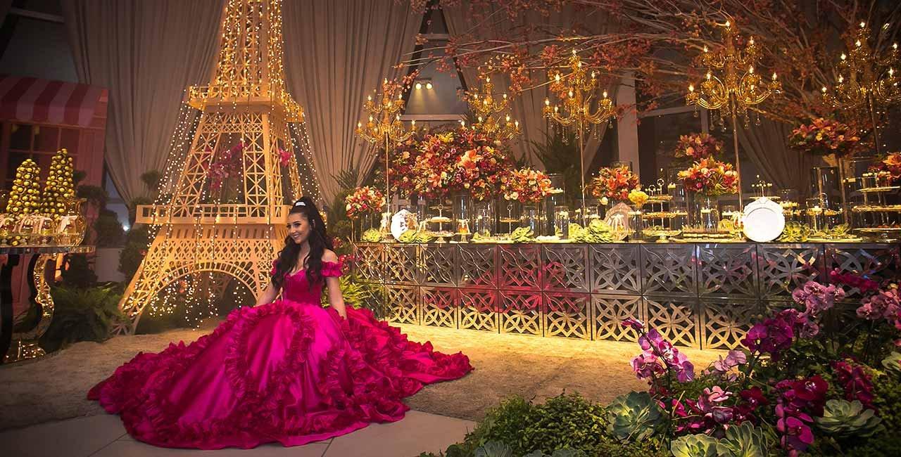 Em tema parisiense princesa reina entre os convidados no Rhois