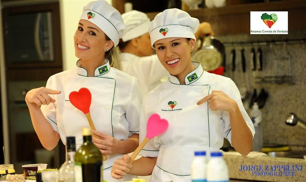 Manas Bruna e Luiza Zappelini fazem sucesso na cozinha da CASACOR Santa Catarina