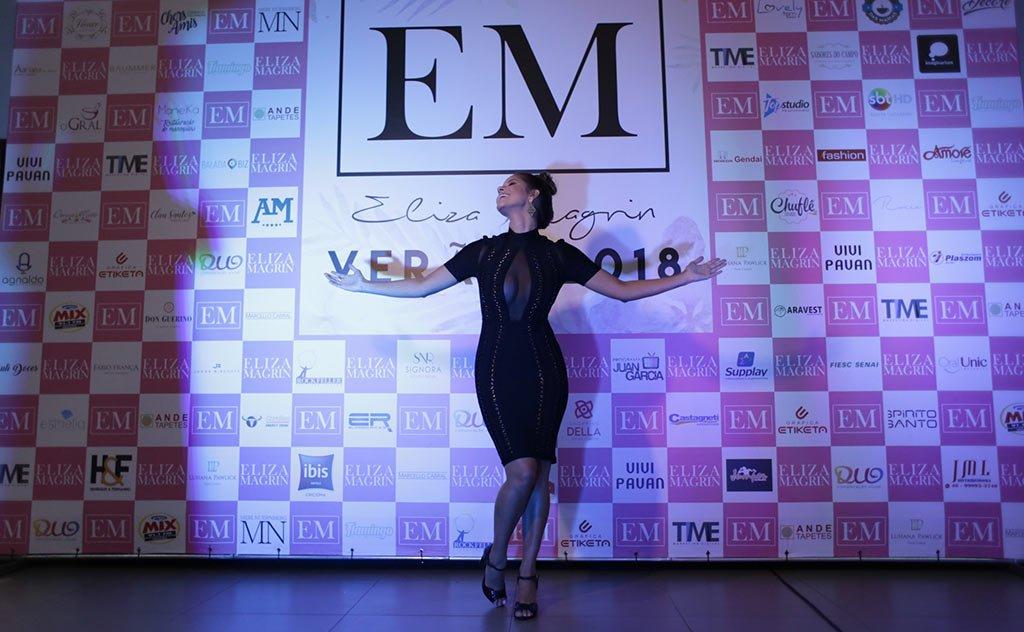 Produtora de moda e digital influencer promove tradicional desfile de lançamento de coleções