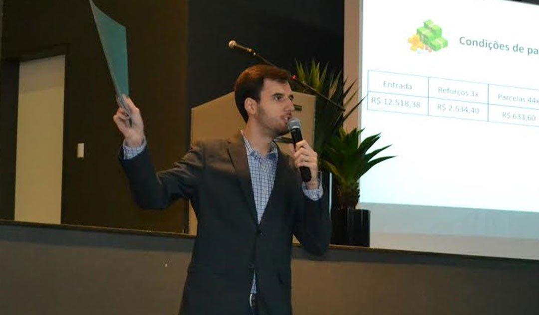 Érico Bez Fontana ressalta que um profissional entusiasmado leva à alta produtividade