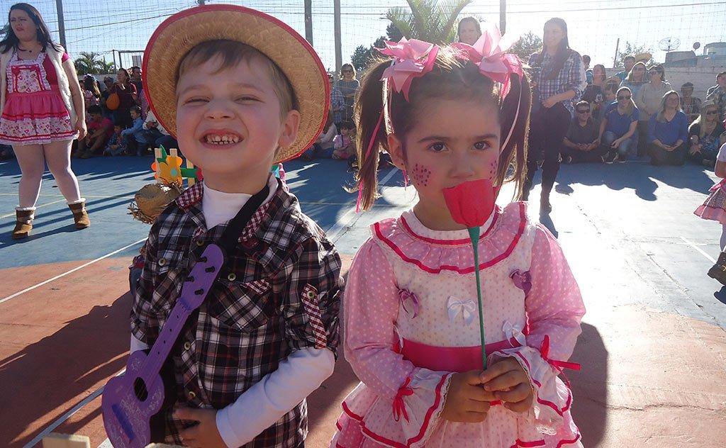 Uma tarde ensolarada, aliada a uma festa junina familiar