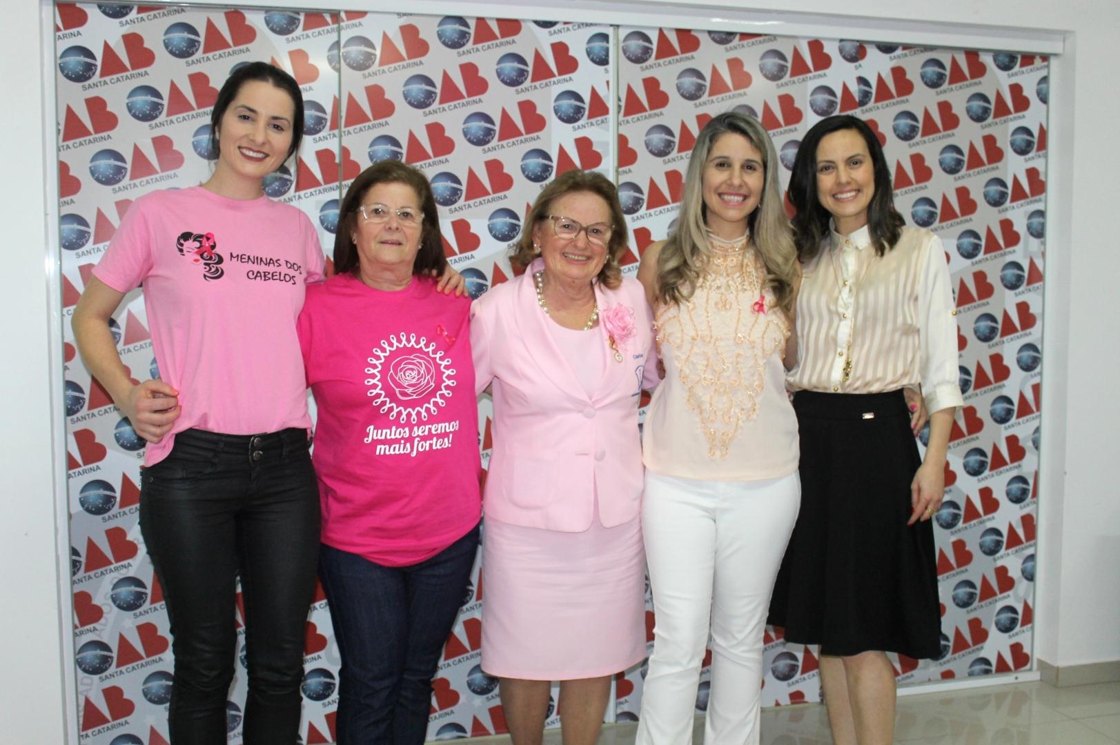Comissão da Mulher Advogada da Subseção de Araranguá traz palestras no Outubro Rosa