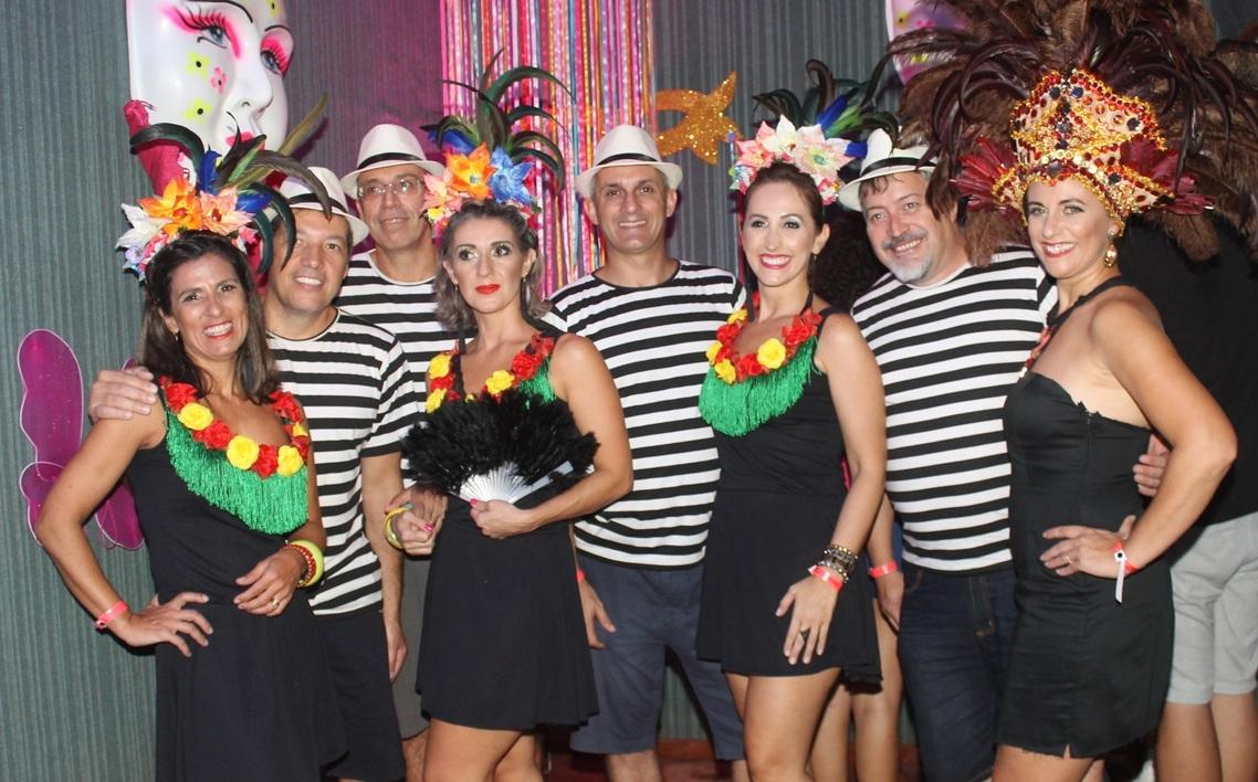 Baile de salão faz a alegria dos foliões em Araranguá