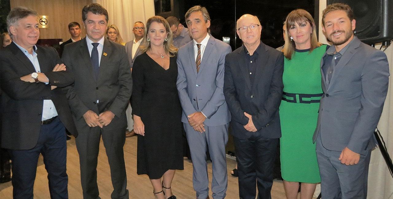 Gilson Pinheiro, Everaldo Ferreira e Mauri Nascimento inauguram empreendimento