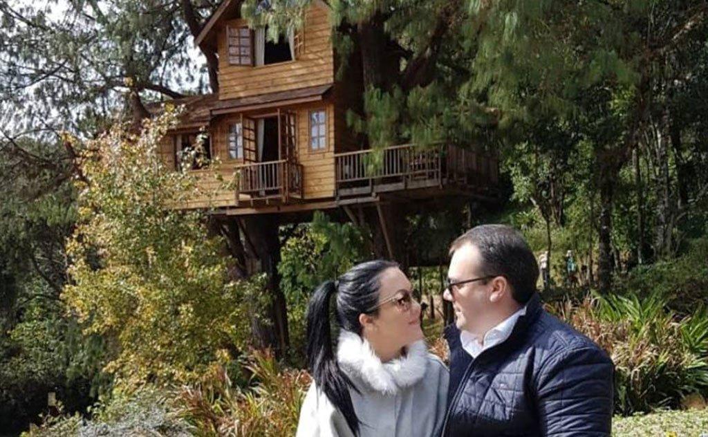 No clima do mês dos namorados, casal fez viagem romântica para São Paulo