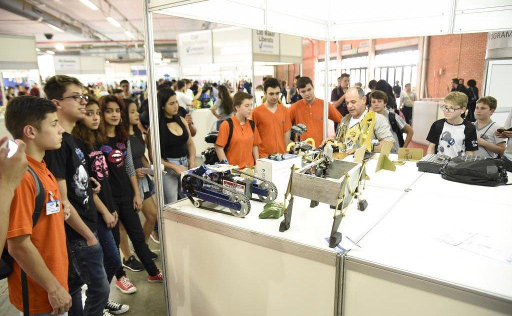 Alunos  representam estado na maior feira tecnologica para jovens da América Latina