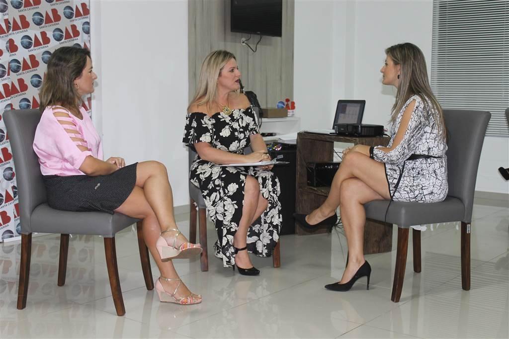palestra sobre liderança feminina  na Sede da OAB Araranguá