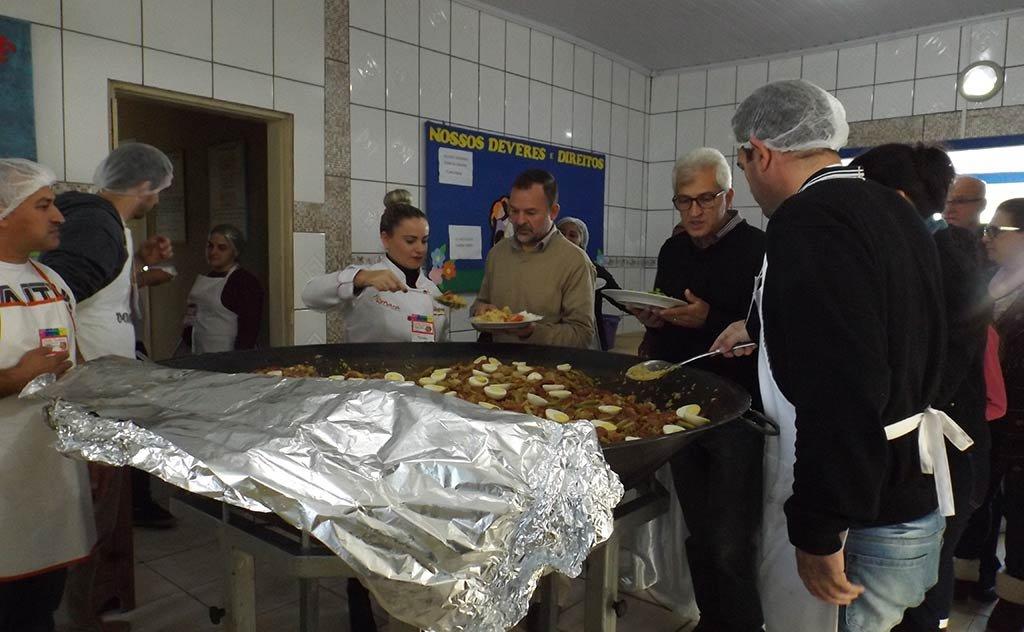 Evento contou com a participação da banda Pó de Café e boa gastronomia.