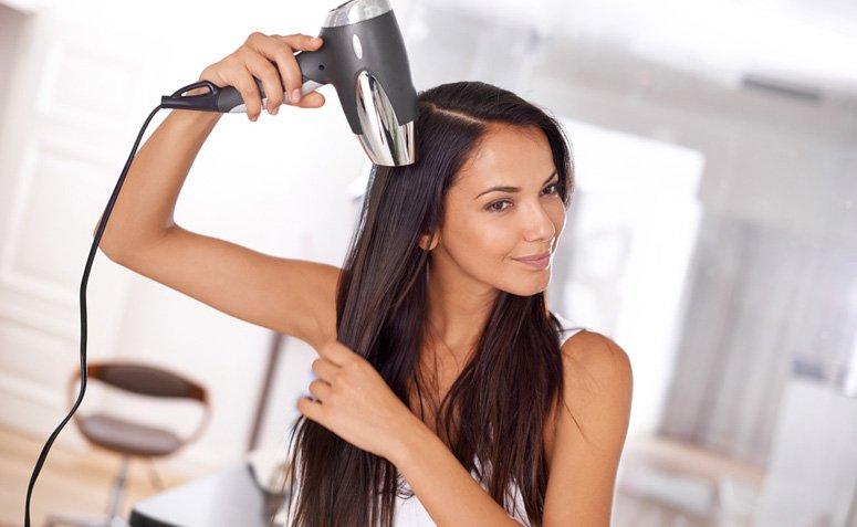 Saiba como protejer seu cabelo contra os danos causados pelo secador e a chapinha