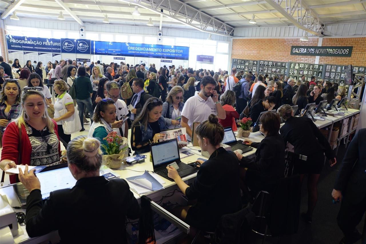 Gramado sedia a maior feira de negócios turísticos da América Latina