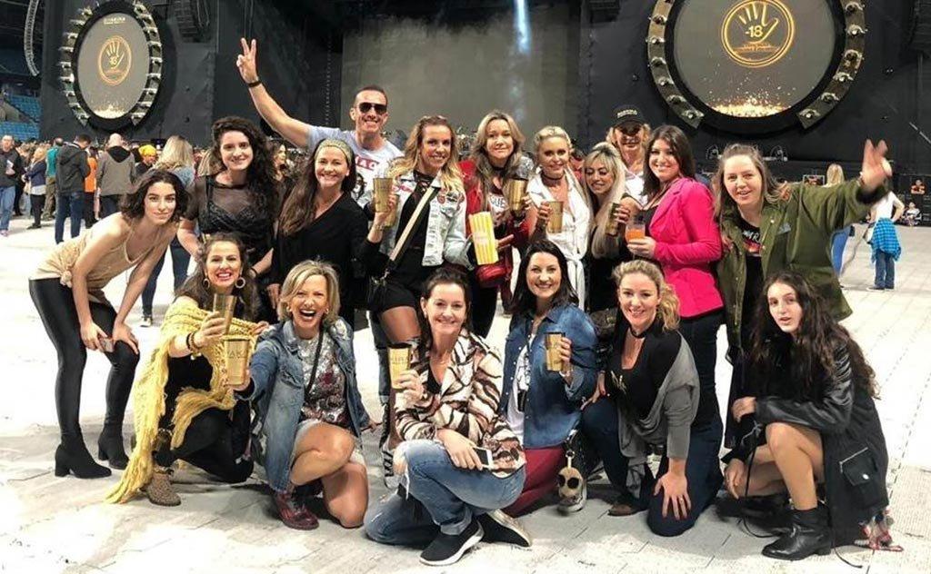 Turmas da região se encantam com gingado e energia da cantora em big show