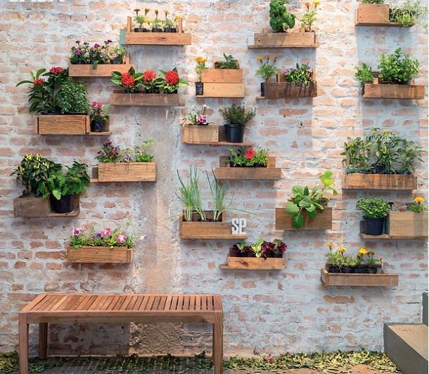 Simples e barato, que tal embelezar sua casa com um paisagismo ecológico?