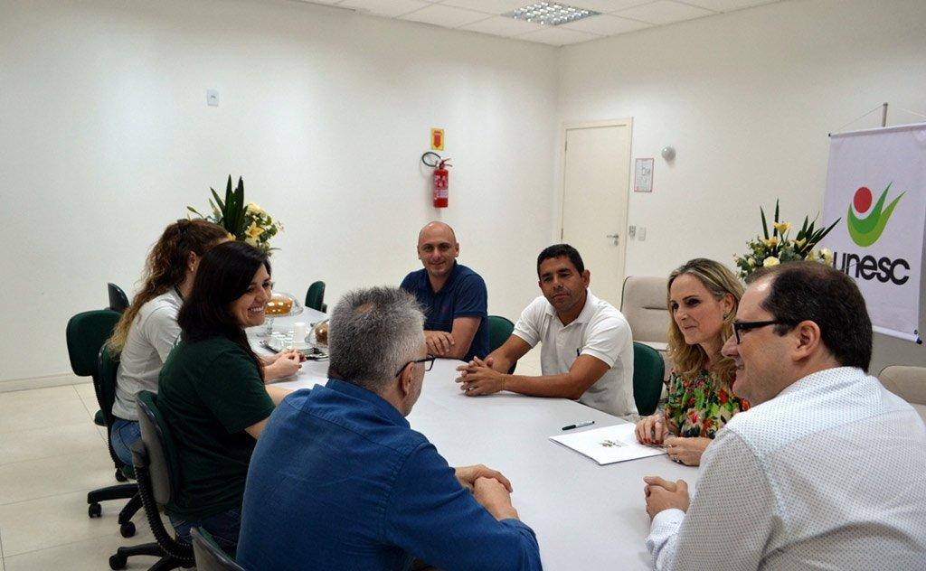Convênio entre Universidade, prefeitura e Grupo A Tribuna proporciona atividades à beira mar