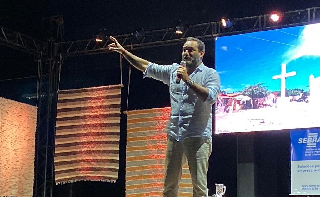 Renomado profissional esteve em Tubarão, a convite do Sebrae/SC e da Prefeitura Municipal