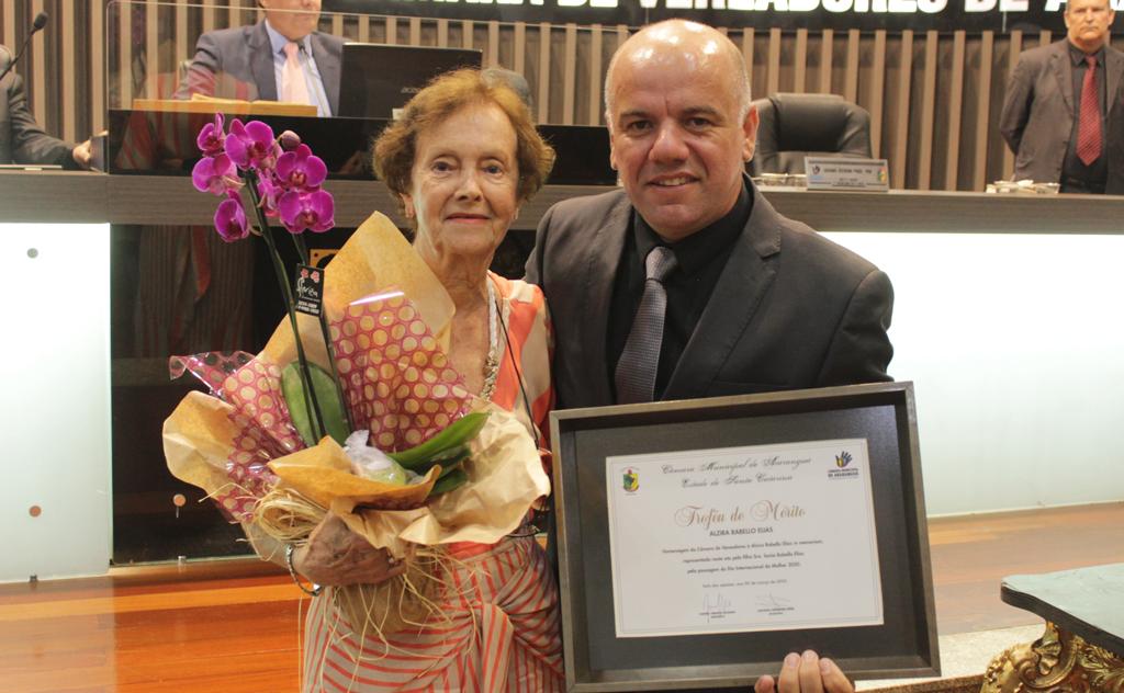 15 mulheres foram homenageadas pelo Troféu Alzira Rabelo