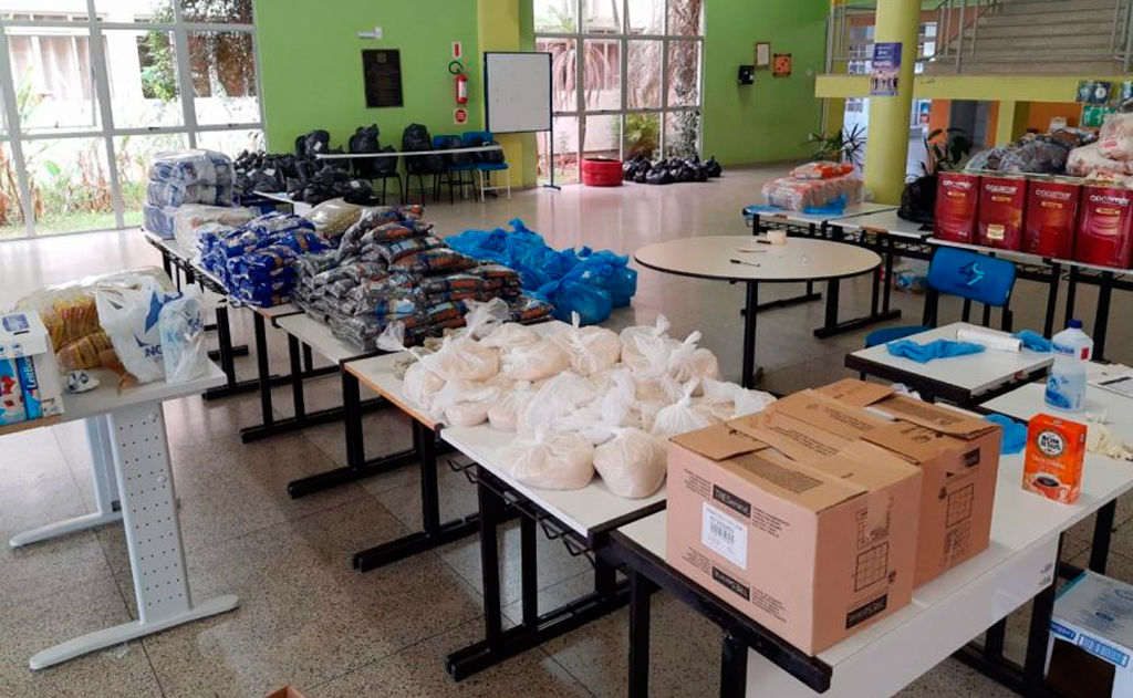 Doações de alimentos, medicamentos e recursos para que possam viabilizar a volta