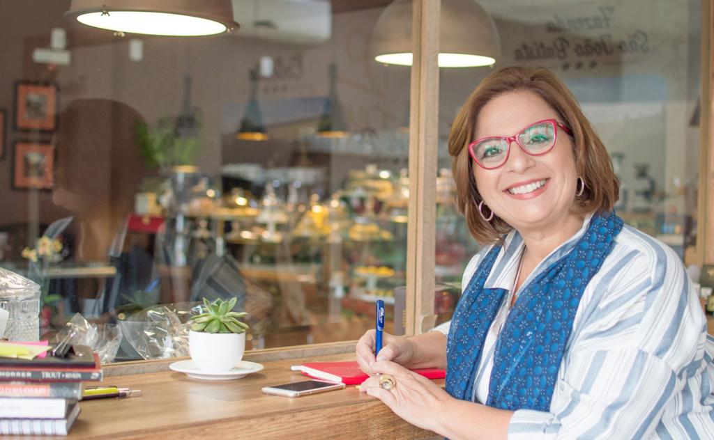 Comunicadora Lúcia Búrigo, reflete sobre envelhecimento