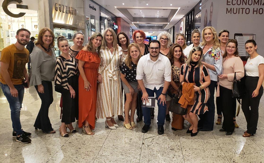 Reunião Mesas Decoradas no Nações Shopping