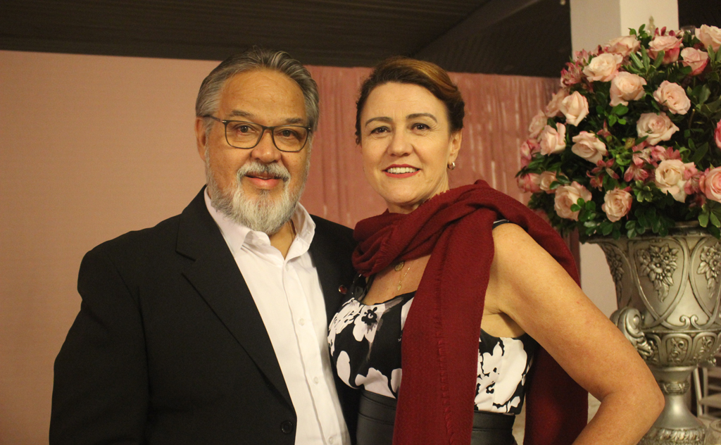 Reunindo mais de 250 pessoas, o clube celebrou a data mais romântica do ano