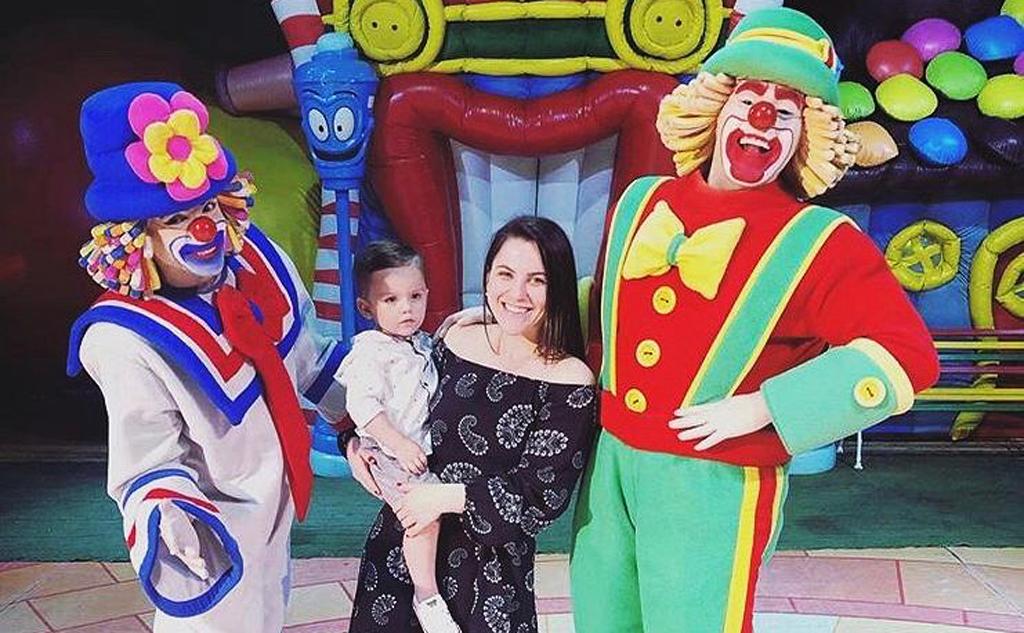 Médica assiste espetáculo de circo com Heitor