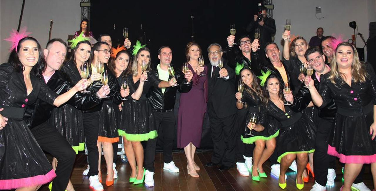 Com o tema dos anos 80´s e 90´s, shows nacionais animaram a festa