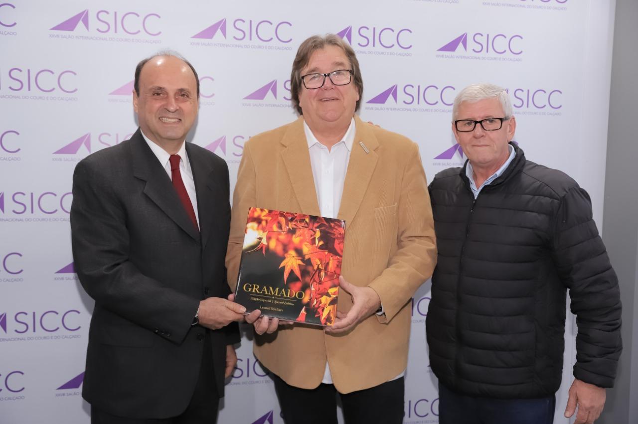 Diretor da Merkator Feiras é homenageado na cidade de Gramado
