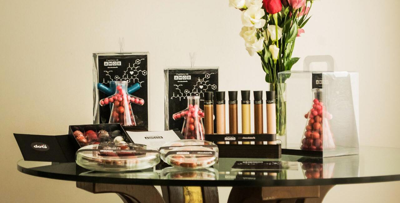 Mix de produtos com chocolate de origem para adoçar o Dia dos Namorados