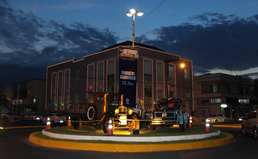 Comemorações trouxeram muitas atrações na Praça Hercílio Luz