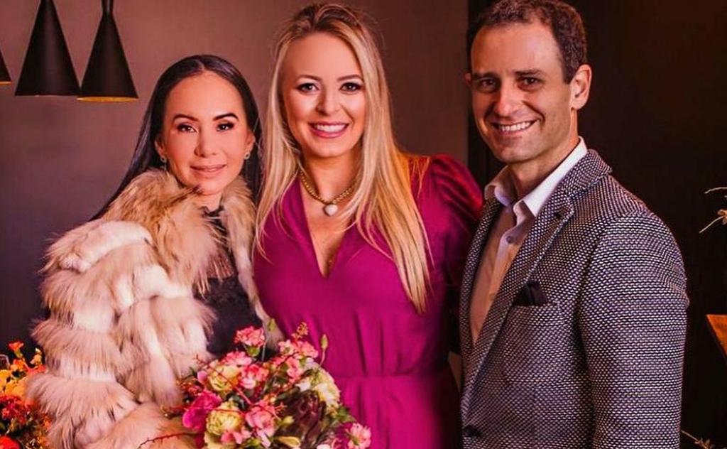 Casamento somente com cinco pessoas