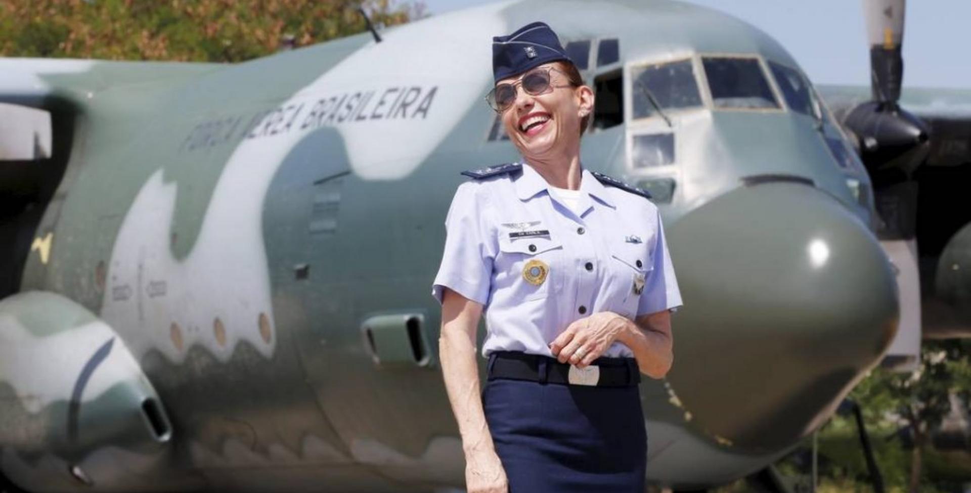 No último dia 07, tornou-se a primeira mulher a assumir o posto de Oficial-General da FAB